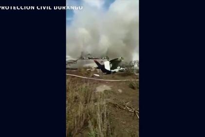 مسافران هواپیمای مکزیک از مرگ قصر در رفتند