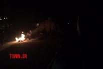 فیلم خبرنگار تین از  اِزْگِله، کانون زلزله/  27 ساعت پس از زلزله هنوز نه کمکی رسیده نه مسئولی